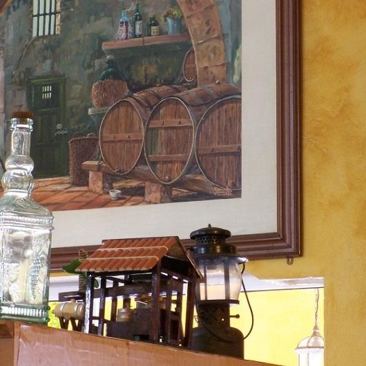 botellas y cuadros